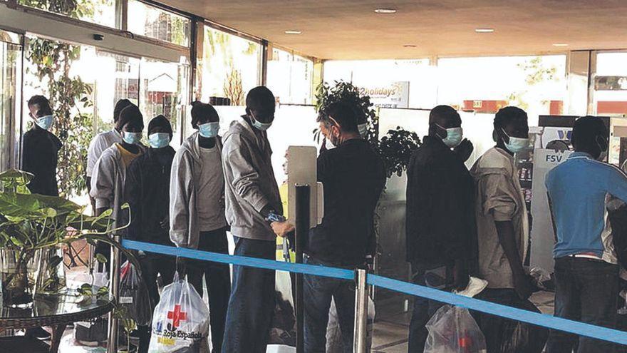 Ofrecen los albergues de Tefía y Pozo Negro para acoger a los inmigrantes