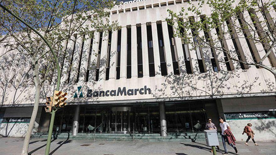 Banca March adelanta al 6 de mayo el pago de las prestaciones por desempleo
