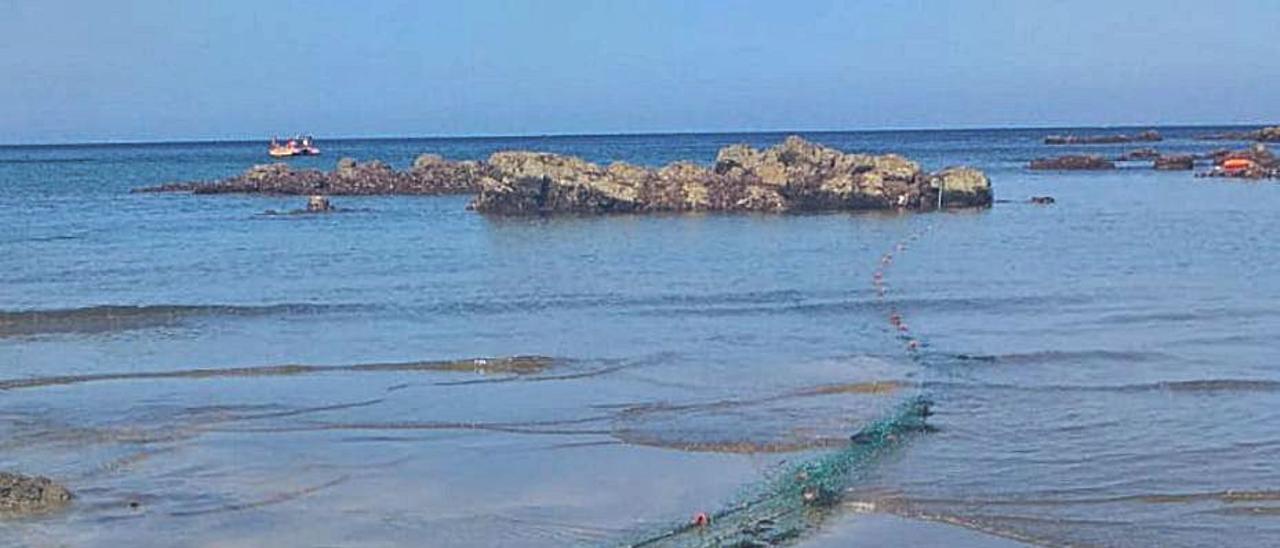 El aparejo aparecido en la playa de Cueva. | Manuel Vigil