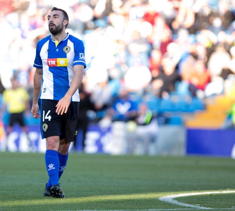 Los blanquiazules desperdician la oportunidad de huir del descenso y no pasan del empate ante un Andorra con uno menos desde el 52'