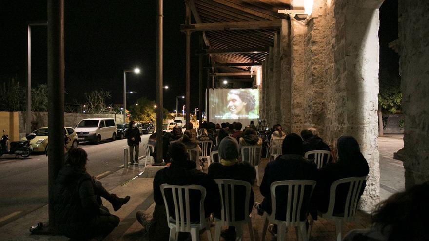 Asociaciones culturales denuncian que el IEB les excluye de las ayudas