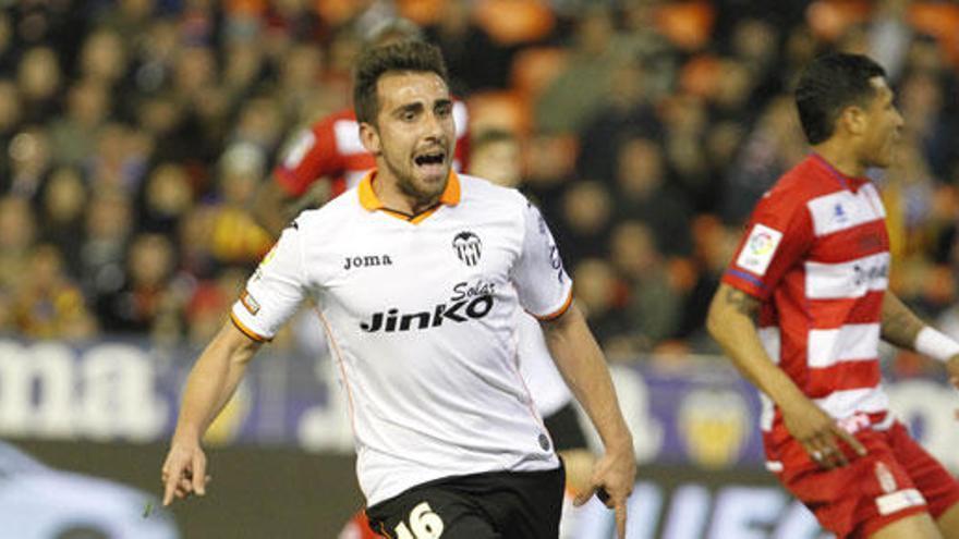 El Valencia vence a un rocoso Granada en el último minuto