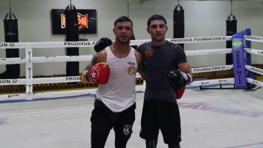 Aramis Torres pone a punto al campeón mundial Dalakian