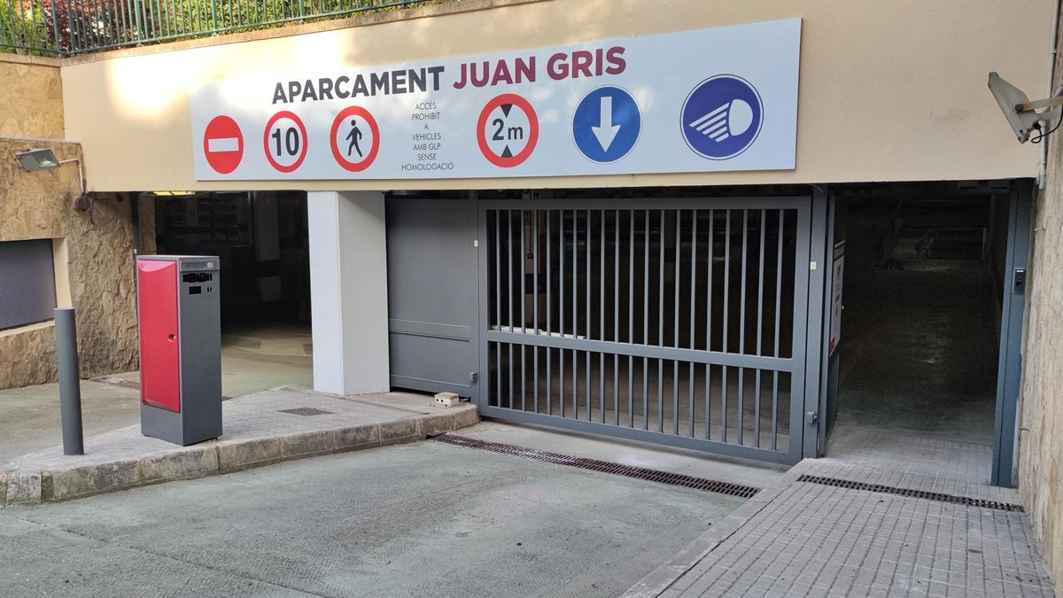 Aparcamiento de Juan Gris.