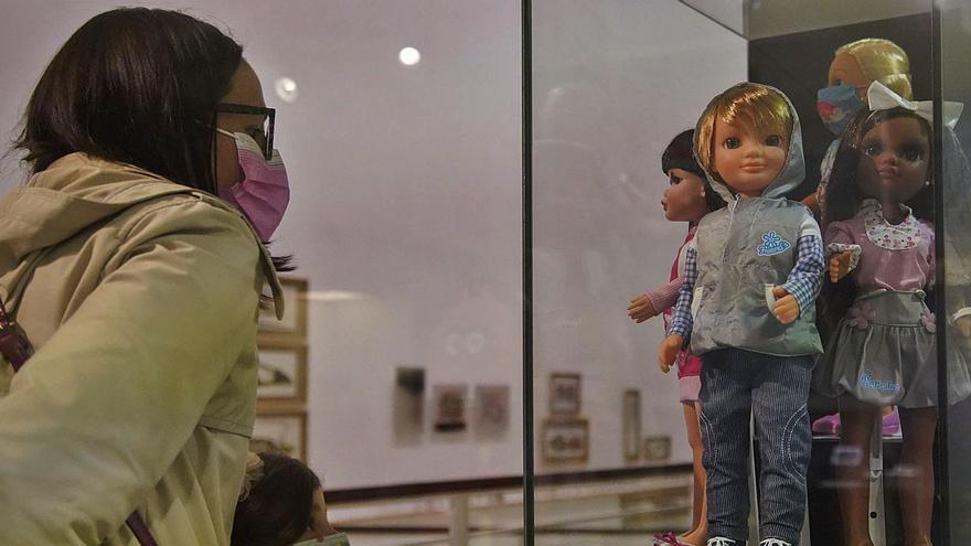 El universo de las muñecas Nancy toma el Museo Etnográfico