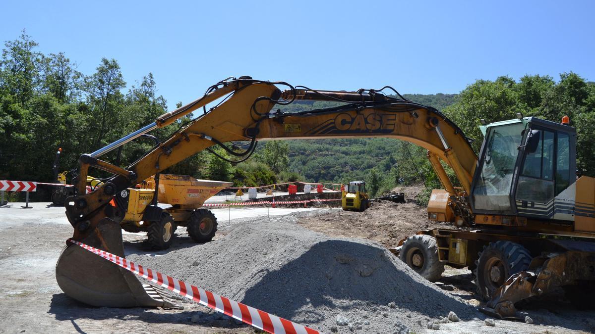 Obras en la carretera ZA-102