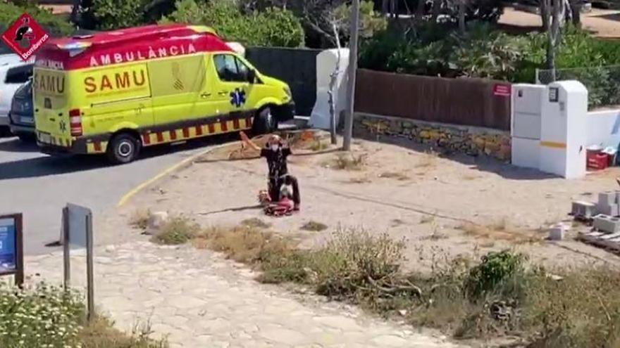 Muere un buceador tras precipitarse contra las rocas en Dénia