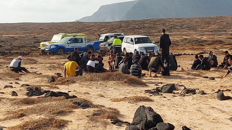 Llegan al menos 122 inmigrantes en tres embarcaciones a Lanzarote