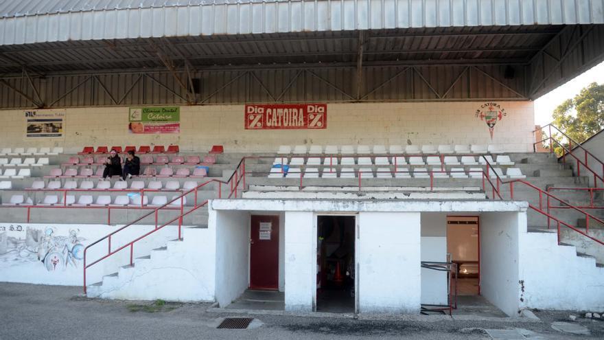 El nuevo campo de fútbol de Catoira, más cerca