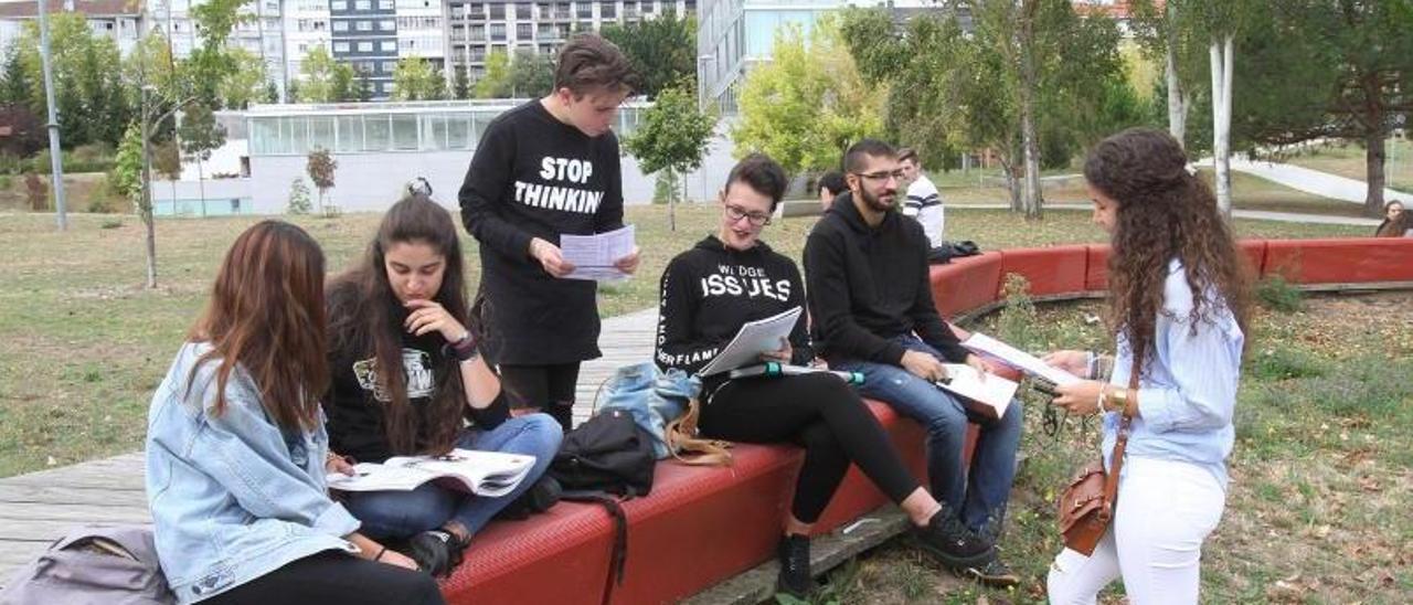 Un grupo de estudiantes universitarios.| IÑAKI OSORIO