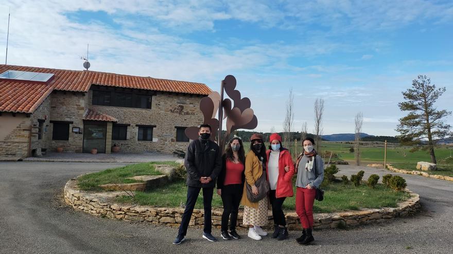 'Mas de Cebrián', en Puertomingalvo, recibe la visita de varias influencers en una iniciativa para potenciar la comarca del Gúdar-Javalambre