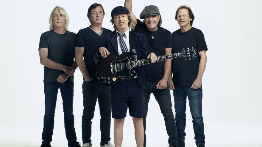 Los Young, fundadores de AC/DC, una descarga de rock de alto voltaje