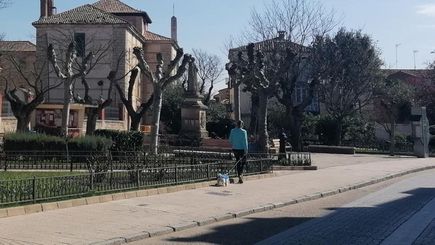 Obras mejora la accesibilidad de varias calles de Toro con rebajes de las aceras