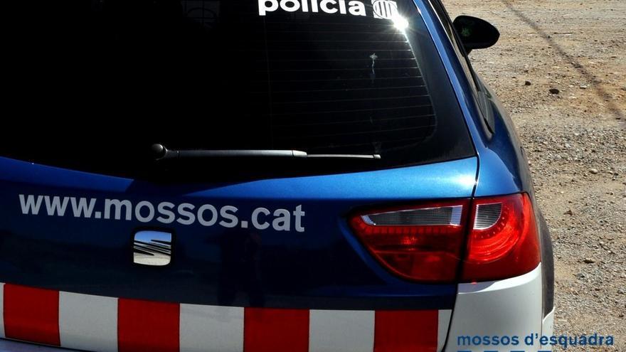Un detingut a Berga per robar a l'interior de nou vehicles