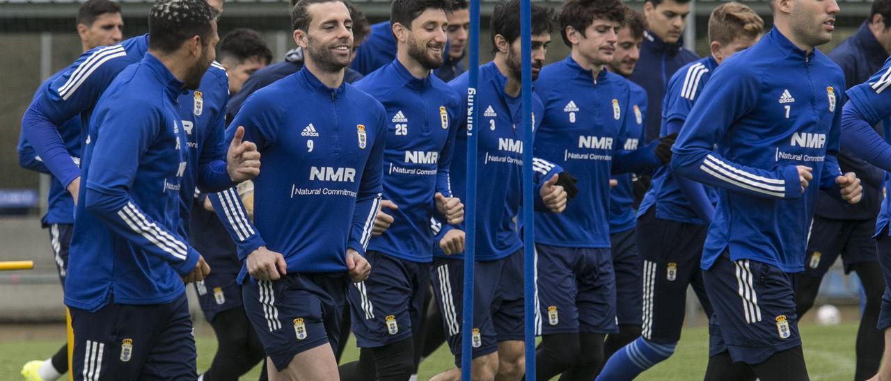 Los jugadores azules, durante el entrenamiento.