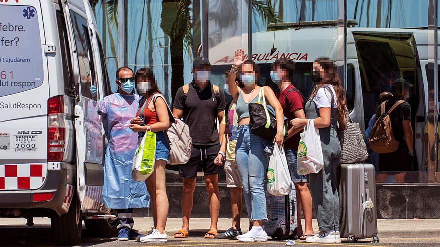 Decenas de estudiantes intentaron irse de Mallorca sin PCR ni cuarentena