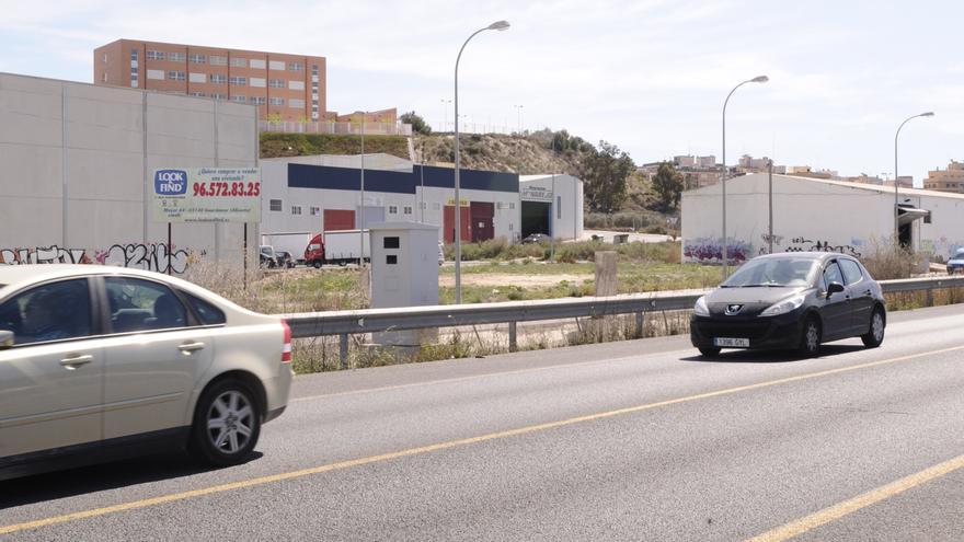 Los empresarios del polígono Santa Anta respaldan que el mercadillo semanal de Guardamar se reubique en sus calles