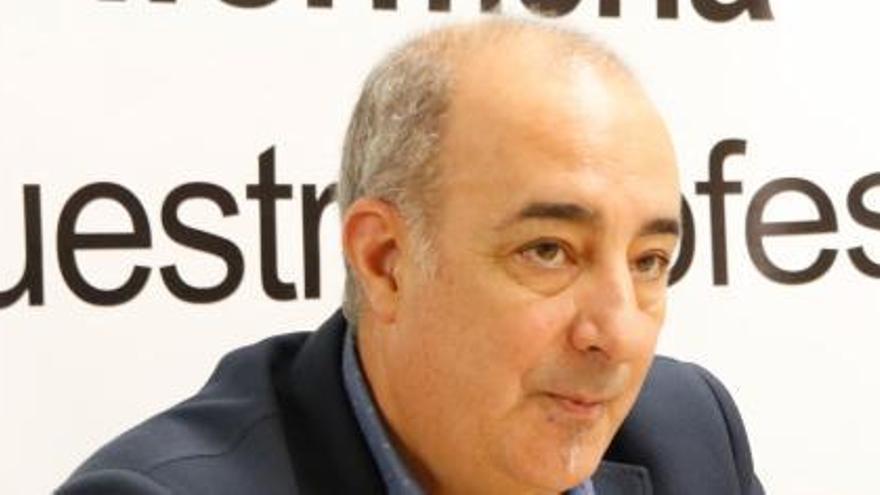 Los tribunales ratifican a Andrés Pérez como presidente de Enfermería