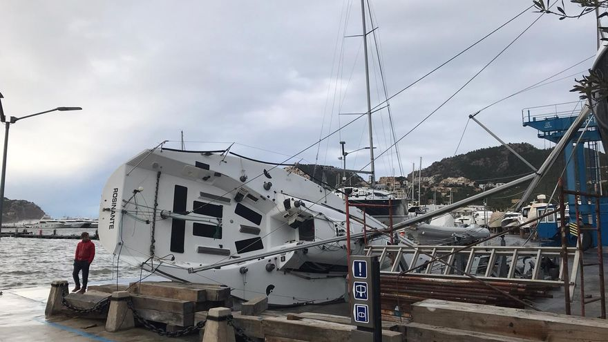 Los vientos de la borrasca 'Bella' golpean la costa mallorquina