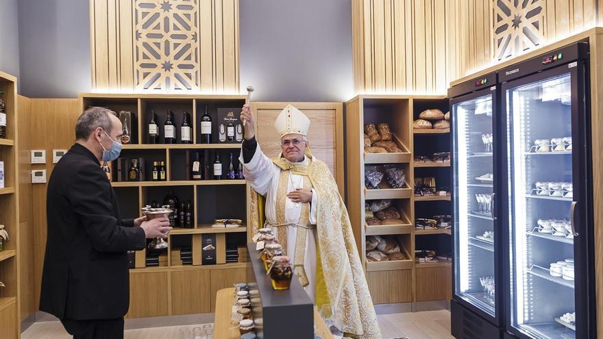 El Patio de San Eulogio incorpora servicio de restauración tras las obras del Palacio Episcopal