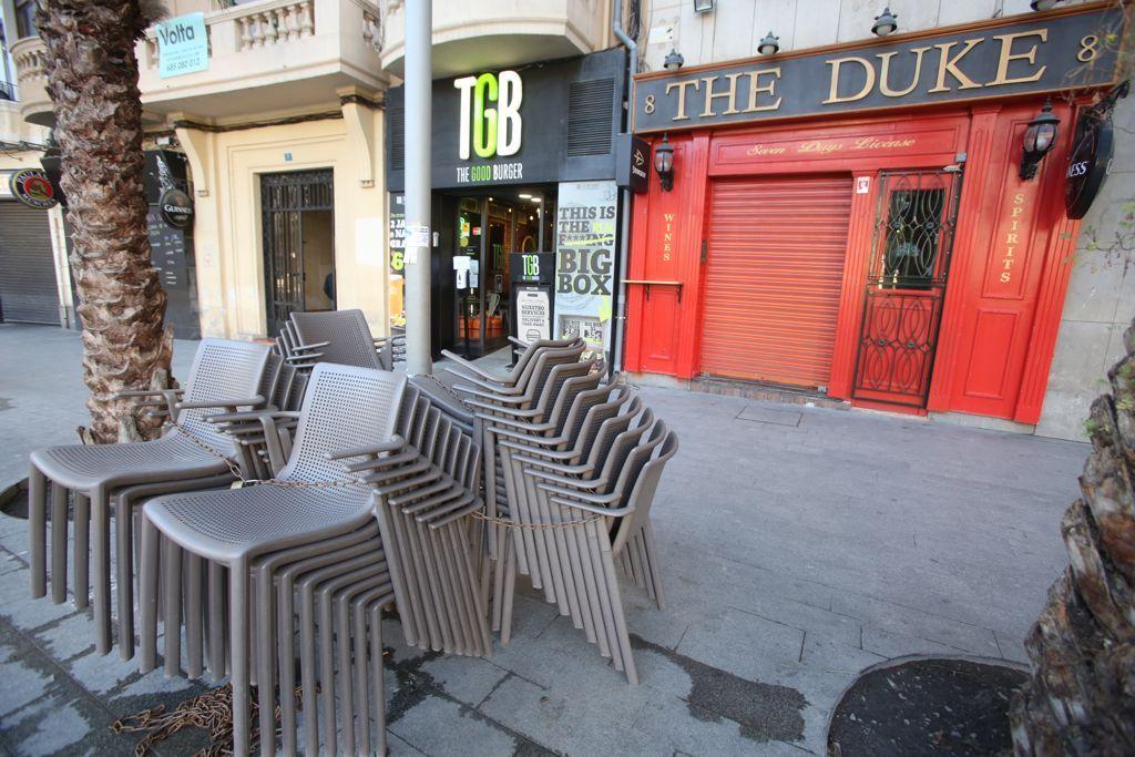 Primera jornada de cierre total de la hostelería en Alicante