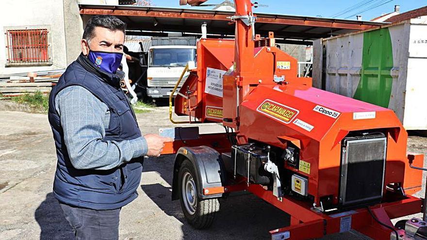 Portas amplía el parque municipal de maquinaria con una trituradora para las limpiezas y desbroces