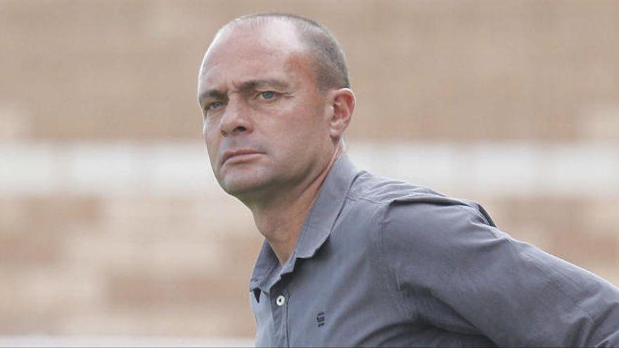 Bomba en Tercera: El Saguntino firma a un exentrenador del Mestalla