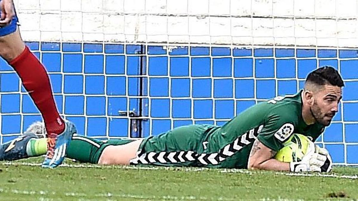 Mackay, durante un partido con el Sabadell