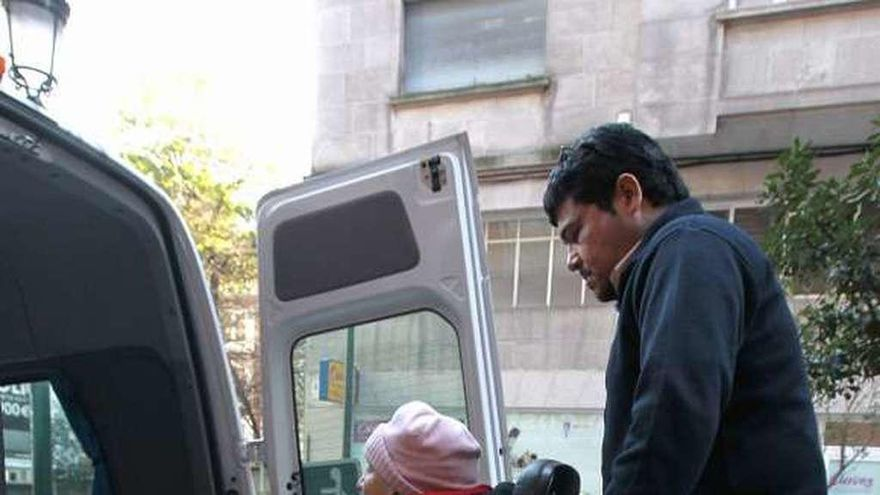 Competencia aboga por no vetar a taxis y VTC en el transporte sanitario o escolar