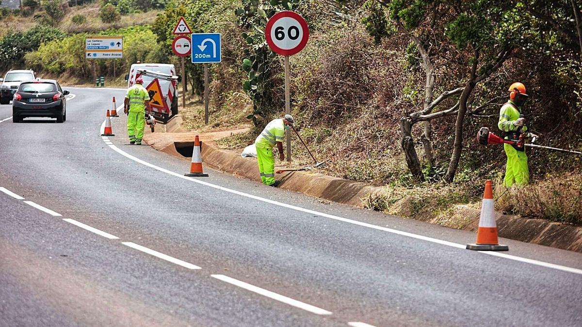 Cuadrillas de mantenimiento de carreteras.