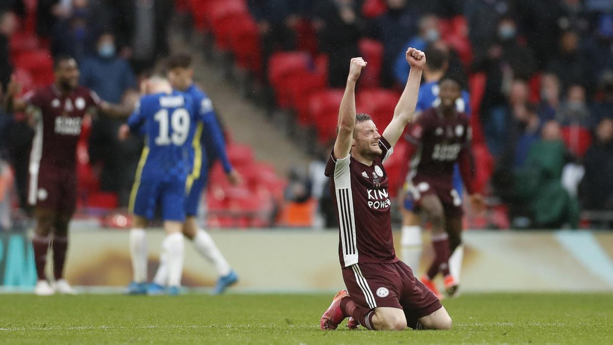 Vardy celebra el triunfo del Leicester.