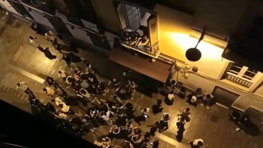 """La oposición apoya a los vecinos del Centro ante el """"infierno"""" de los ruidos de madrugada"""
