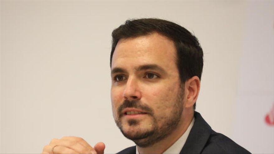 Iglesias y Garzón cuestionan la neutralidad política del rey tras su llamada a Lesmes