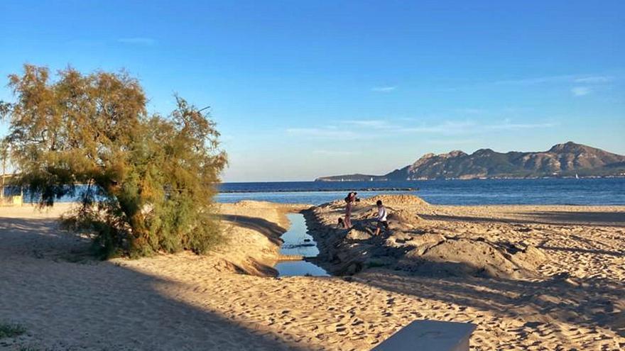 La Guardia Civil investiga los vertidos fecales del Port 'pollencí'