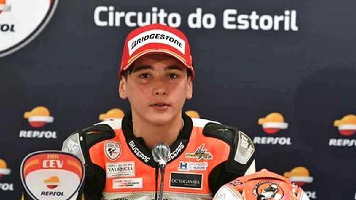 Hugo Millán, durante una rueda de prensa en el circuito de Estoril, en Portugal. | CUNA DE CAMPEONES