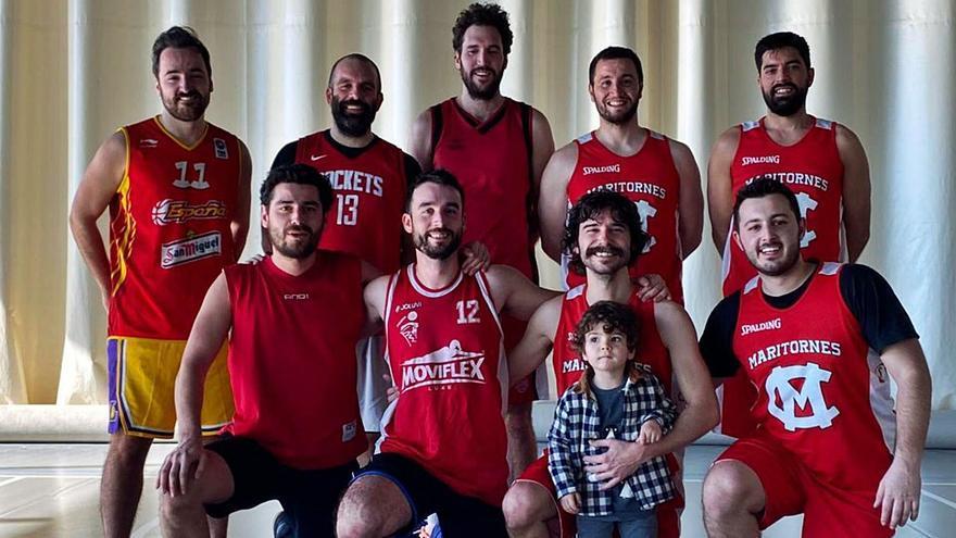 El equipo de baloncesto compuesto por gijoneses que triunfa en Madrid