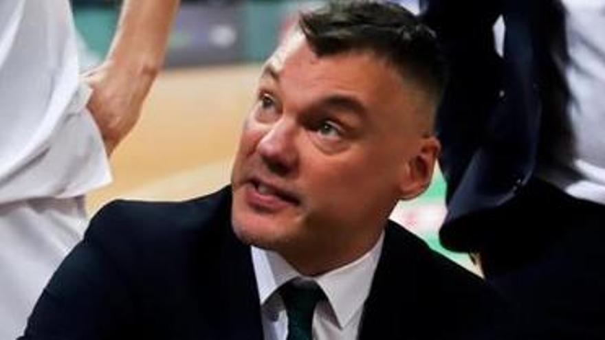 Sarunas Jasikevicius pren el relleu de Pesic a la banqueta del Barça de bàsquet