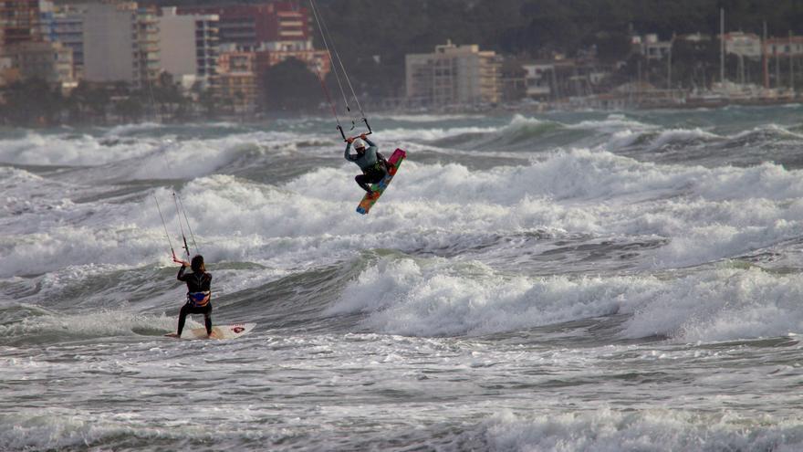 El tiempo en Mallorca: Rachas de 80 kilómetros hora, temporal marítimo y lluvias nocturnas