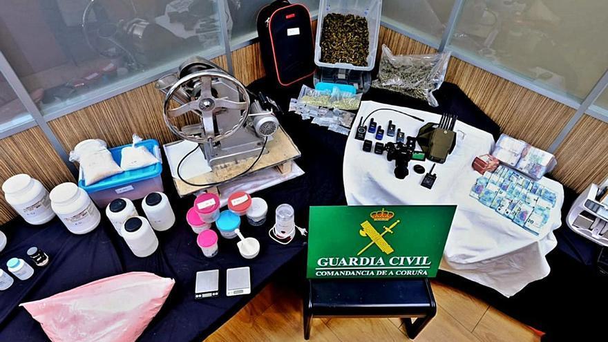 Los detenidos en Cangas pertenecían a una red que elaboraba droga sintética y vendía cocaína