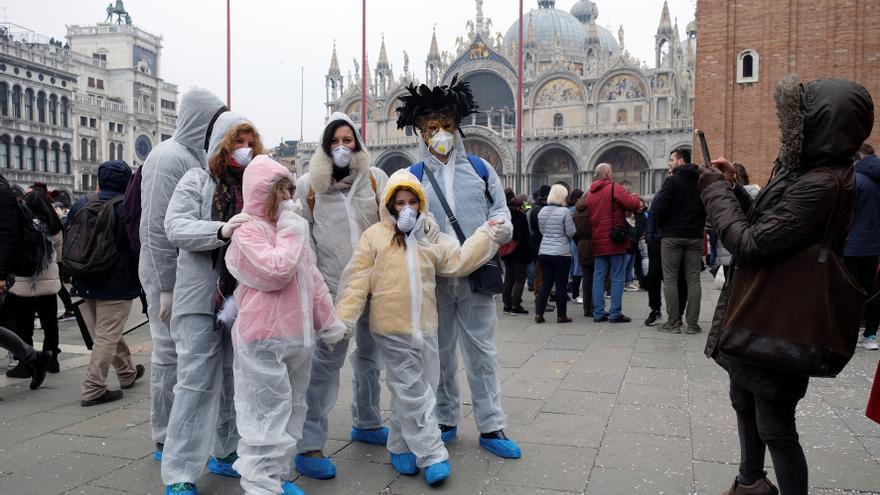 Río descarta su carnaval de julio y Venecia activa un Plan B para febrero