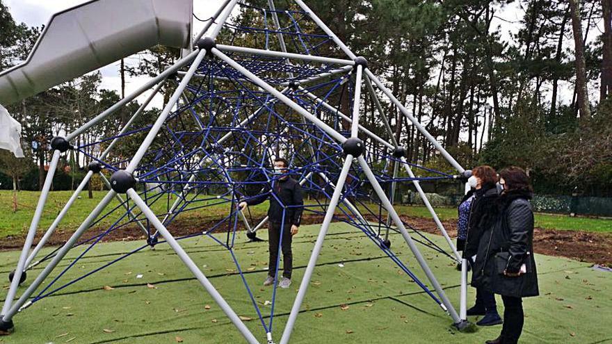 El parque de Punta Vicaño tiene un nuevo juego con red