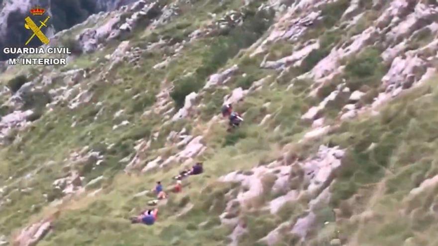 La Guardia Civil rescata a 23 scouts madrileños en los Picos de Europa