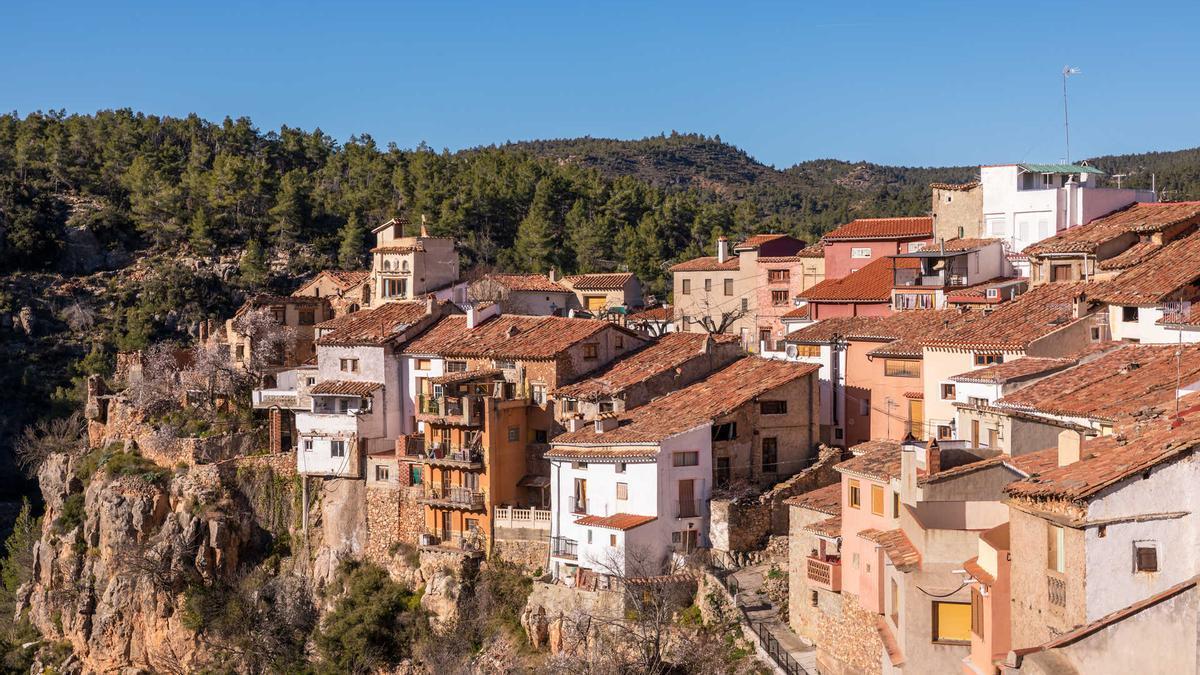 Un brote de 12 casos en Fuente la Reina, un pueblo de 53 habitantes