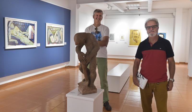 Orlando Hernández, exposición de su fondo artístico