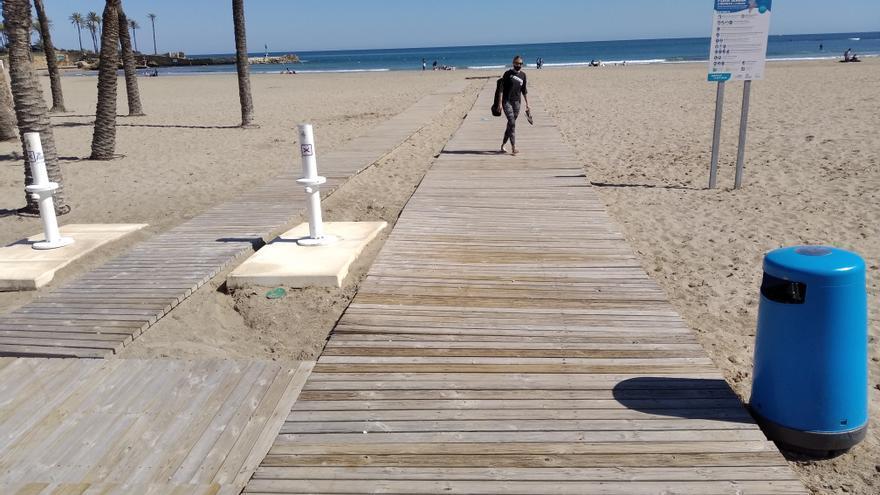 """Fallece un bañista de 82 años cuando hacía """"snorkel"""" en el Arenal de Xàbia"""