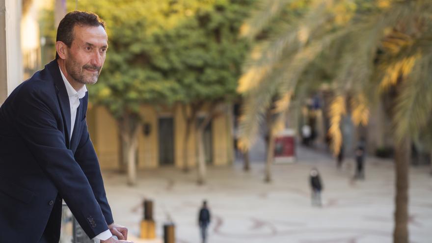 """El alcalde de elche busca """"la paz"""" con la oposición"""