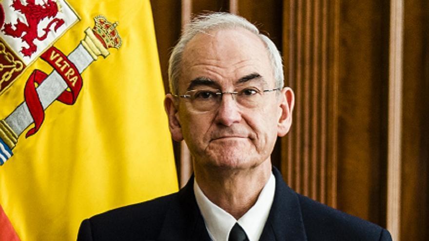 El jefe de la Armada contesta a Vox: La obligación de los barcos de guerra es rescatar pateras