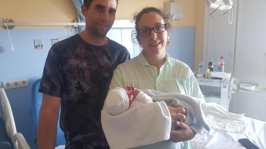 El primer bebé nacido en Marbella se convierte en el tercero de Andalucía