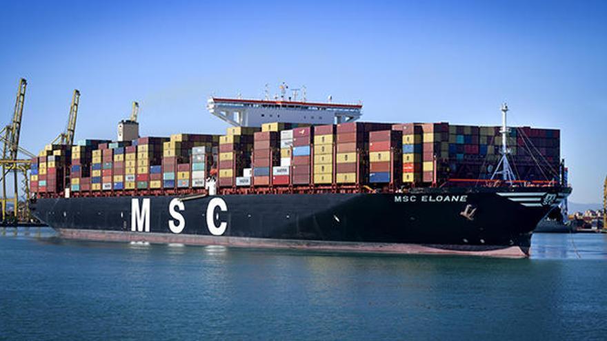 El puerto de Valencia recibe al buque más grande de su historia