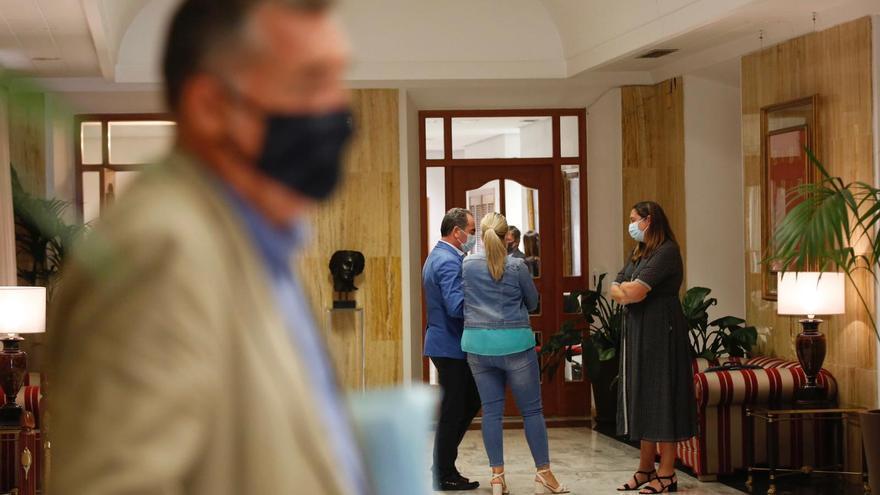 Manuel Torrejimeno niega las acusaciones y Gómez Calero dice que no tiene pruebas